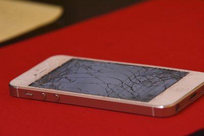 iphone cracked screen
