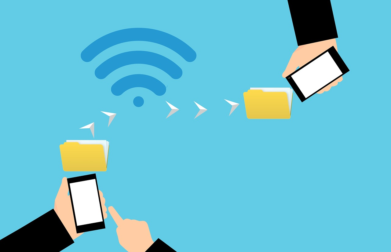smartphones transferring data using NFC technology